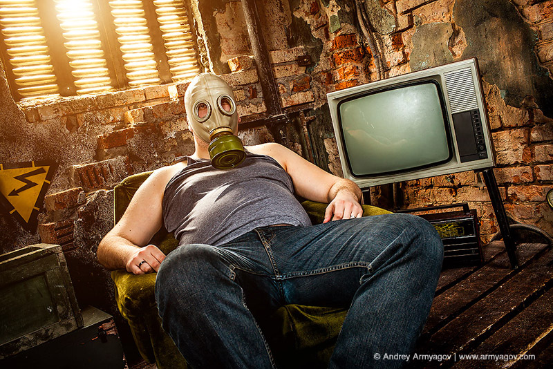 "<B><font size=""2""><a title=""Buy this photo""					href=""http://depositphotos.com/10451889/stock-photo-Man-in-a-gas-mask.html?ref=1000647""					target=""_blank"">купить эту фотографию</a></font></B>"