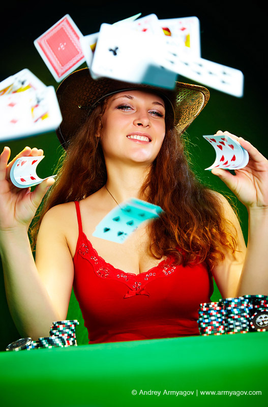 "<B><font size=""2""><a title=""Buy this photo""					href=""http://depositphotos.com/1096330/stock-photo-Photo-of-the-girl-with-playing-cards.html?ref=1000647""					target=""_blank"">купить эту фотографию</a></font></B>"